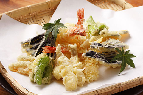 http://katsuotataki.net/img/pic/food/tenpuramoriawase.jpg